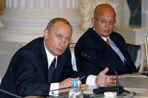 Президентът Владимир Путин заедно със своя съветник Караганов
