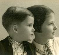 Симеон със сестра си Мария Луиза