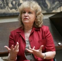 Професор Аксиния Джурова