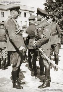 Генерал Стойчев заедно със заместника си генерал Щерю Атанасов