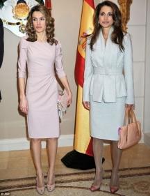 Две кралици (отляво надясно) - Летисия (новата кралица на Испания) и Рания (на Йордания).
