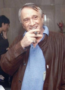 Човекът с пурата - познат образ в българското медийно блато