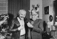Мистер Сенко с приятеля си Кольо Панамски, фоторепортер на вестник