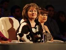 На съдийската скамейка редом до Илияна Раева