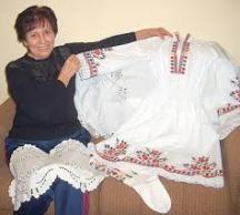 Гюрка Шаренска бродира вече 35 години