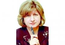 Редакторът Ива Йолова