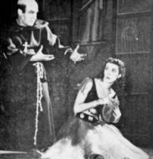 Анастас Петров (вдясно) в една от ролите си