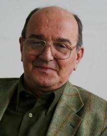 Евгений Станчев - журналист международник, ръководеше вестниците