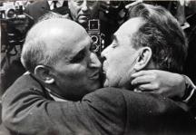 Легендарната целувка с Брежнев даваше на България евтини кредити