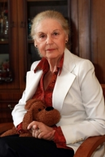 Театралната легенда Емилия Радева също не се дава на младите