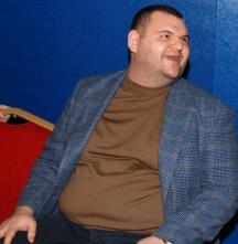 В последните дни медиите на Дилян Пеевски водят истинска война срещу Василев и КТБ.
