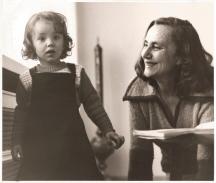 Баба и внучка - Соня Бакиш с малката Соня Тодорова