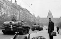 21 август 1968 г. Прага, сутринта. Снимка Владимир Ламер