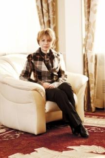 Кметицата Йорданка Фандъкова - общински пълководец с осем заместника. Снимка - списание