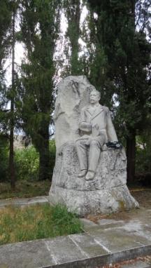 Паметникът на лобното място на писателя