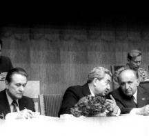 Борис Велчев-старши (вляво)до 80-те години на миналия век бе в най-близкото обкръжение на Тодор Живков.