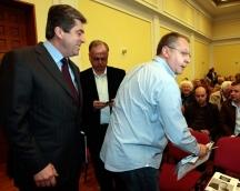 Първанов и Станишев вече сипят обвинения един към друг