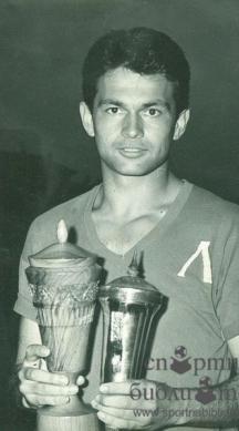 Приживе Гунди бе носител на много награди