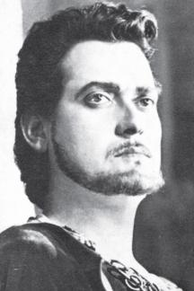 Младият Стефан Гецов в култовата си роля на цар Иван Шишман на сцената на Народния театър
