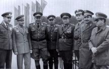 Генерал Добри Джуров (вторият отляво надясно) с министрите на отбраната на страните-членки на Варшавския договор