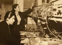 Величка Ангелова, създател и ръководител на Златния фонд на БНР, и Захари Миленков, който днес е уредник на Музея на радиото във Факултета по журналистика и масови комуникации към СУ