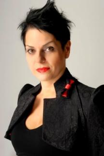 Дизайнерът Албена Александрова е собственик на модната къща