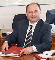 Бившият милиционерски началник Евтим Костадинов оглавява вече 8 години комисията по досиетата