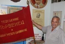 Стефан Кърцев се гордее с всеки експонат в музея си