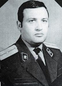 Гарелов с пагоните на младши лейтенант от Първо главно управление (външното разузнаване) на Държавна сигурност