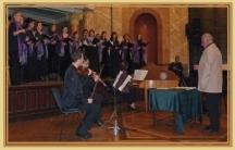 Камерният оркестър и хорът, дирижирани от Йосиф Герджиков