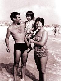 С мама и татко на море