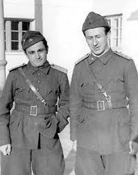 Радой с Валери Петров като фронтоваци по време на Отечествената война