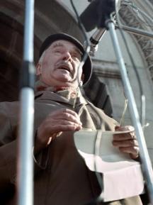 Акад. Кирил Василев говори на първия митинг на зараждащата се опозиция на 18 ноември 1989 г. Снимка: Иван Бакалов