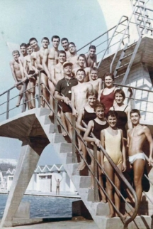 Варненските плувци, завоюваха много успехи ръководени от треньора Любен Лазаров