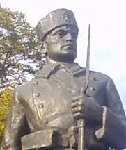 Фигурата на Гюро на паметника му в Пловдив