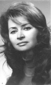 Чаровницата на Младежкия театър Надя Топалова