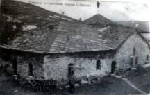Старата черква на Батак - няма масто в нея, което да не е опръскано с кръв