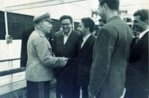 Станко Тодоров (вторият отляво надясно) с прославения съветски маршал Климент Варошилов