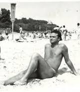 Вучков като Аполон на плажа