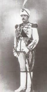 Албанският крал (преди това премиер) Ахмед Зогу