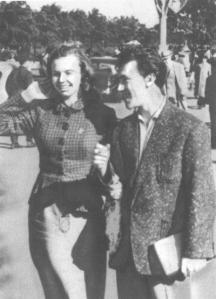 Актьорът с първата си съпруга Изолда Жукова