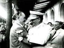 Георги Димитров и Тито на софийската гара
