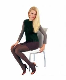 Женските списания често пълнят страниците си със снимки на Деси