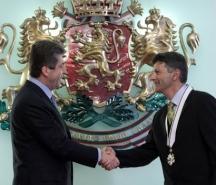 Президентът Георги Първанов награждава скиора с орден