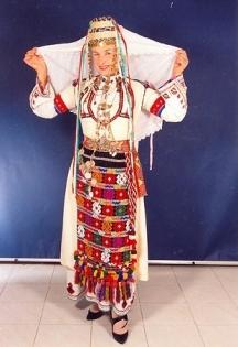 Рупкина винаги е смайвала публиката с разкошните си народни носии