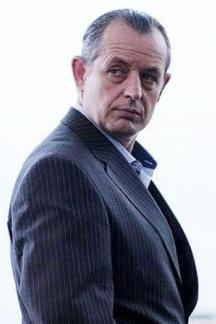 В ролята на Джаро в сериала