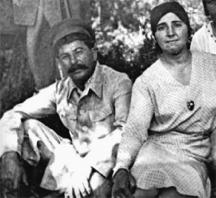 Йосиф Сталин със съпругата си Надежда Алилуева