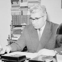 Свекърът Иван Пръмов, секретар на ЦК на БКП и министър на земеделието