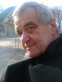 Бащата на писателката - журналистът Калин Тодоров