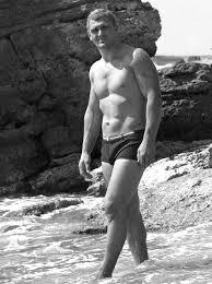 Младият Сашо на плажа